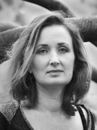 USTAZE (Hélène)